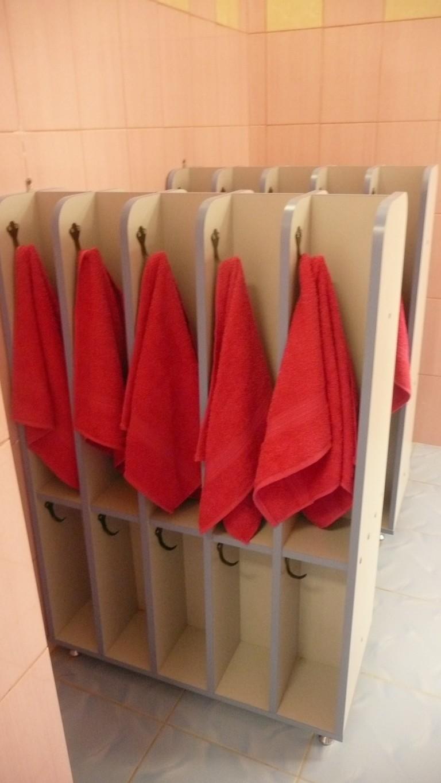 Шкаф для полотенец (для рук и ног) напольный 5-местный, 10-местный-двухсторонний (ЛДСП)