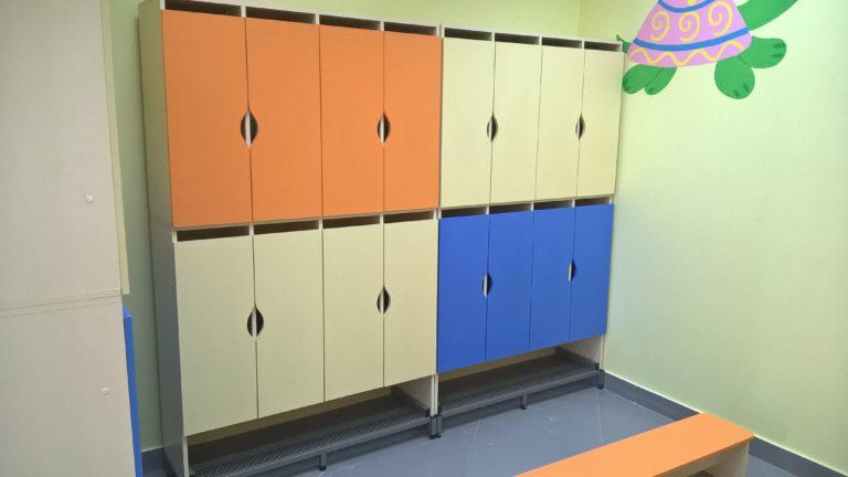 Двухъярусные шкафчики для одежды для малышей